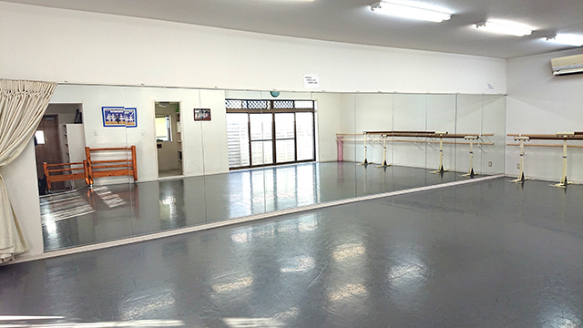 ダンススタジオ CORAZON 飯塚スタジオ